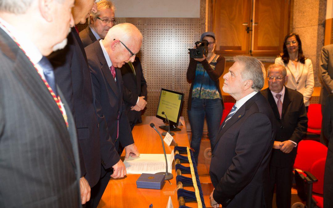 El Prof. Dr. D. Luis Caramés Viéitez ingresó en la Real Academia Galega de Ciencias
