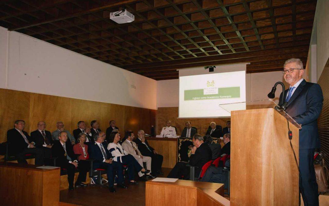 El catedrático de Estadística e Investigación Operativa de la USC Wenceslao González Manteiga ingresó en la Real Academia Gallega de Ciencias