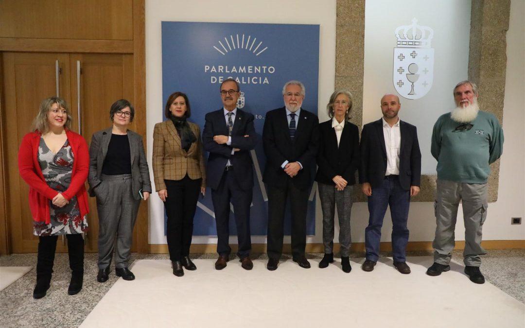 La RAGC firma un convenio con el Parlamento de Galicia para asesorar científicamente a los diputados