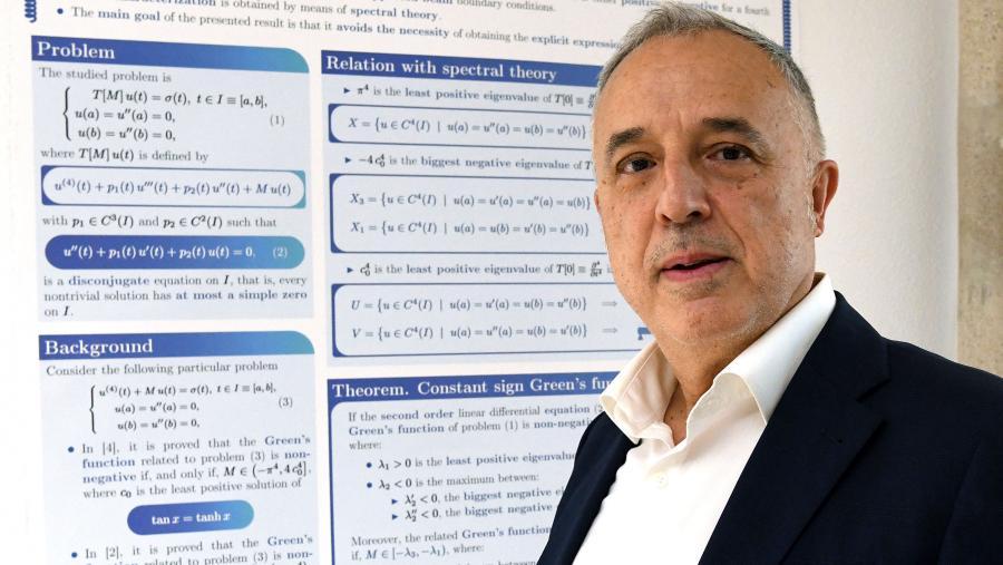 Juan J. Nieto recoñecido co premio Liouville